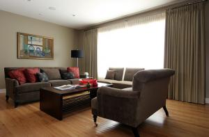 Upholstery and Draperies in Arlington VA